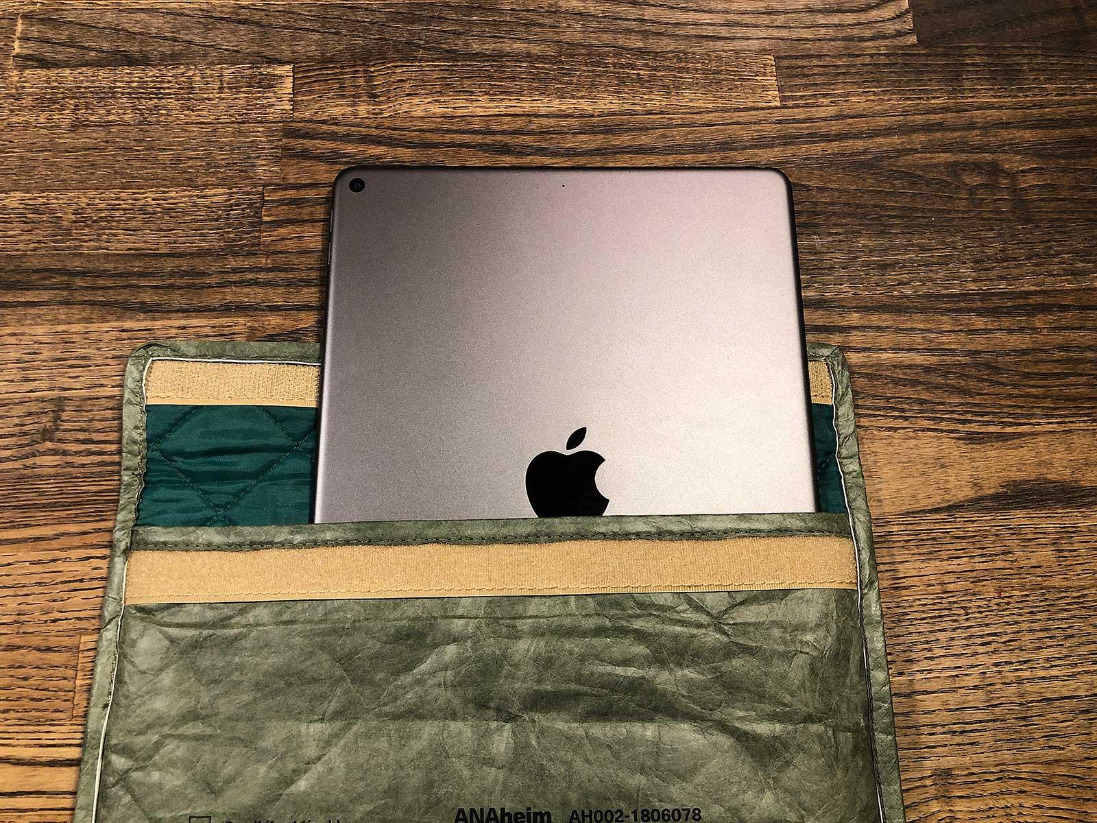 アナハイム MacBook Pro スリーブ